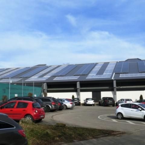 Photovoltaikanlage in Ostfildern (2013), Tennishalle